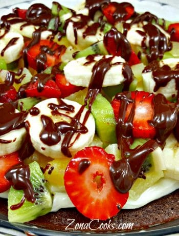 Fruity Brownie Pizza - delicious dessert!