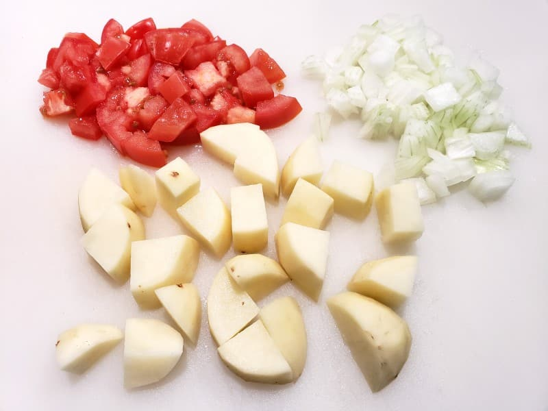 diced tomatoes, onions, and potatoes