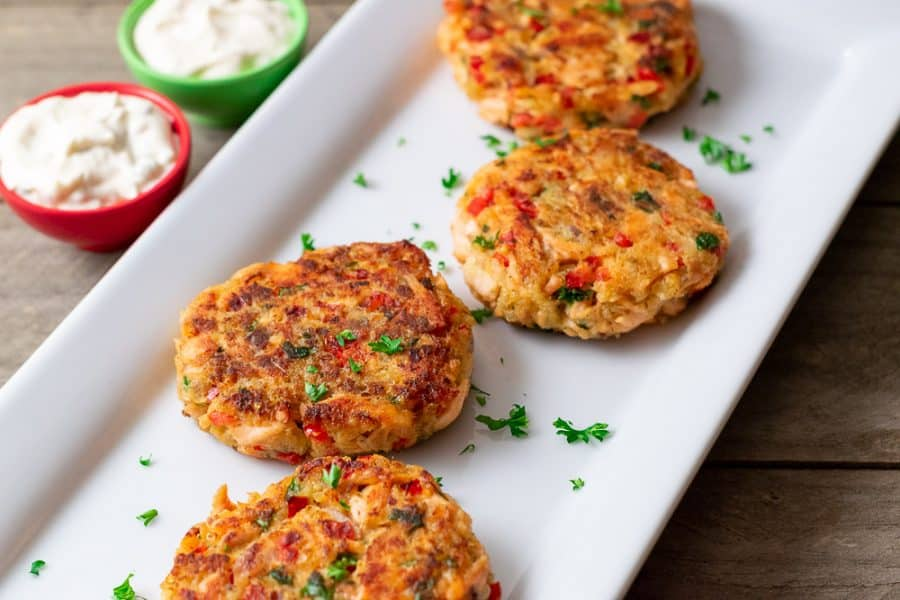 easy salmon cakes on a platter
