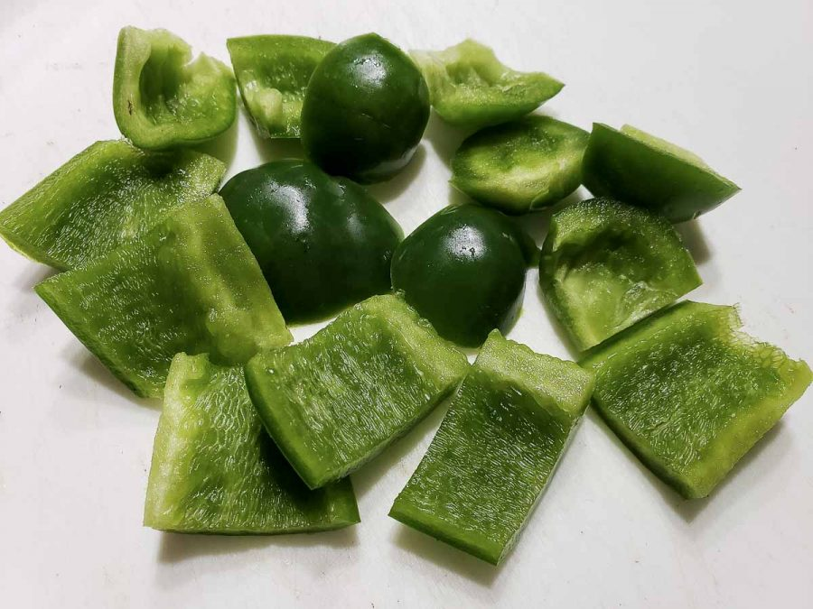 12 pieces of diced green pepper